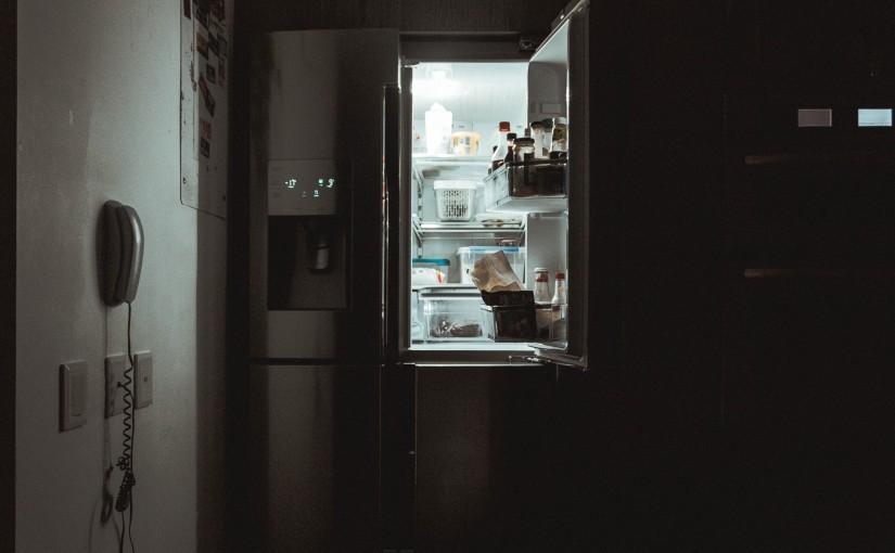 Как да премахнете миризмата от хладилника